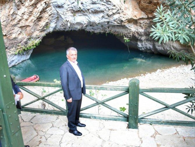 Konya-Antalya yolunu 26 km daha kısaltacak tünelde sona geliniyor