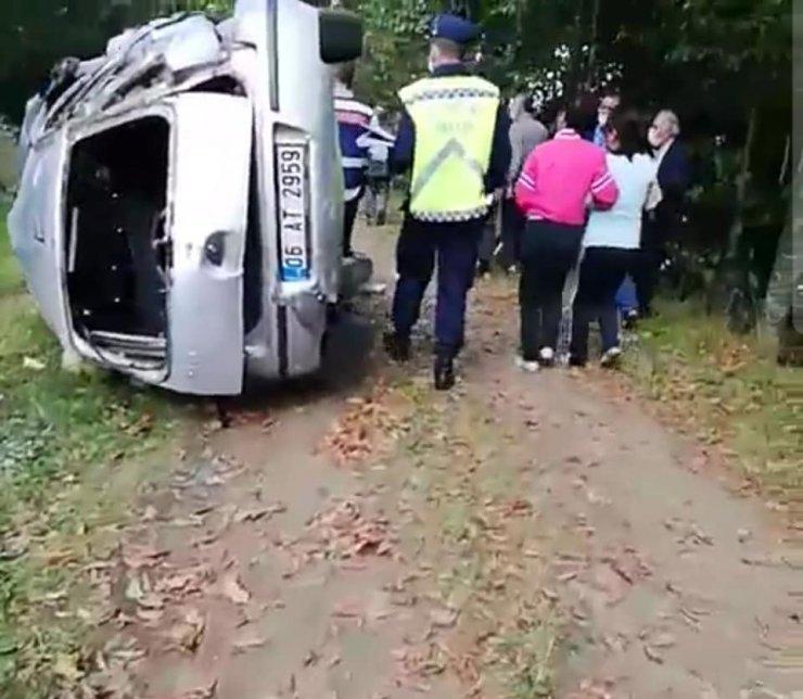 El frenini çekmeyi unuttu, şarampole yuvarlanan otomobildeki annesi öldü