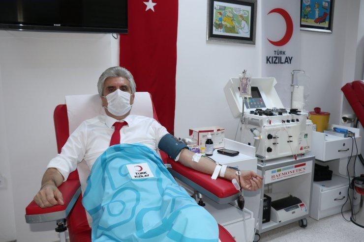 Koronavirüsü yenen cerrah, immün plazma bağışladı