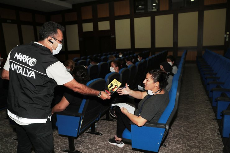 'En iyi narkotik polisi anne'lere eğitim