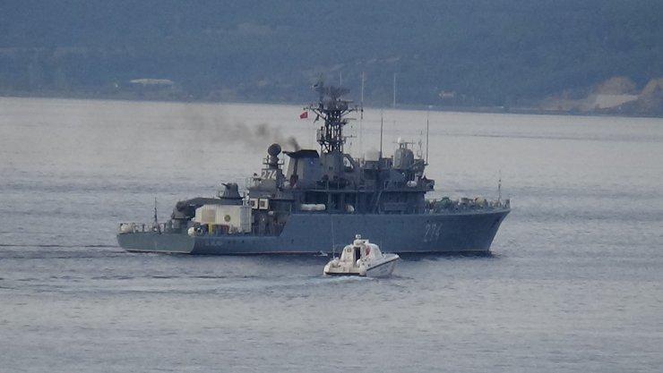 Romanya savaş gemisi, Çanakkale Boğazı'ndan geçti