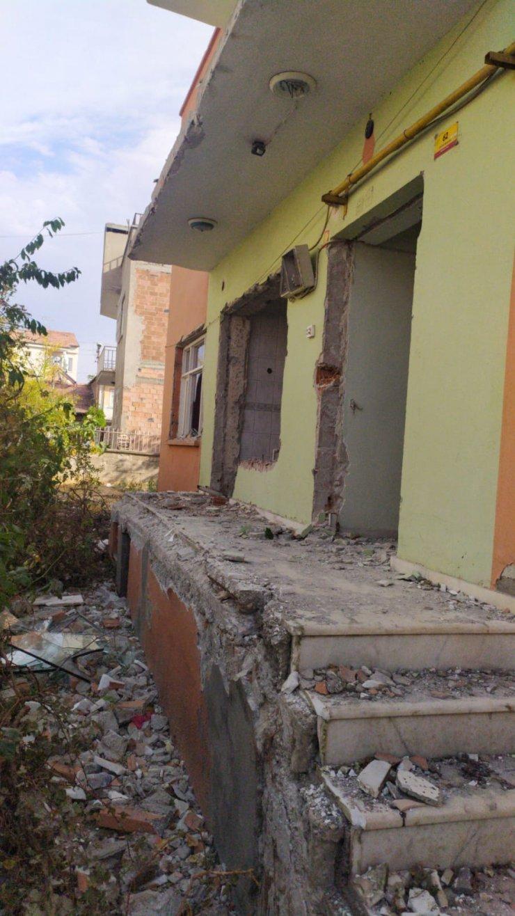 Elazığ'daki depremde ağır hasar gören evden su saatinin çalınmasına 1 gözaltı