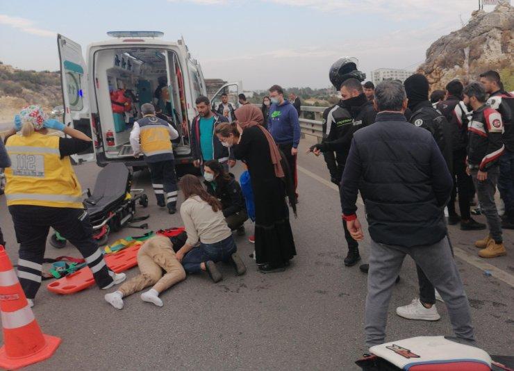 Mersin'de iki motosiklet çarpıştı: 1 ölü, 2 yaralı