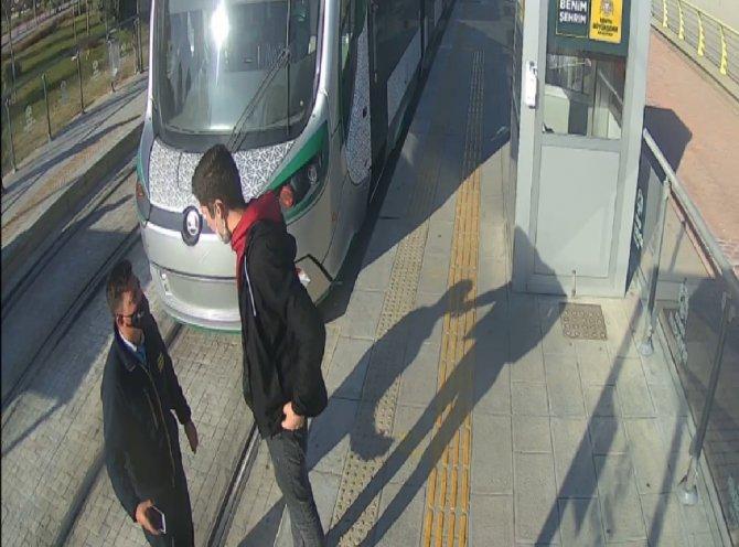 Konya'da kendisini uyaran güvenlik görevlisini bıçakladı!
