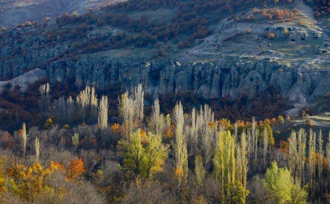 Kapadokya'yı andıran 2 bin yıllık antik kentte sonbahar güzelliği