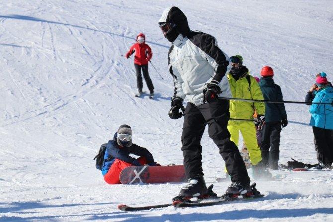 Avrupa'ya gidemeyen kayakçıların adresi Kartalkaya olacak