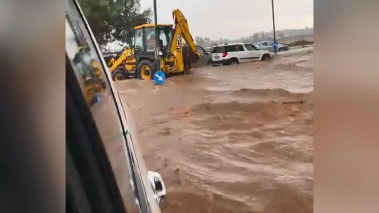 İsrail'i sel vurdu