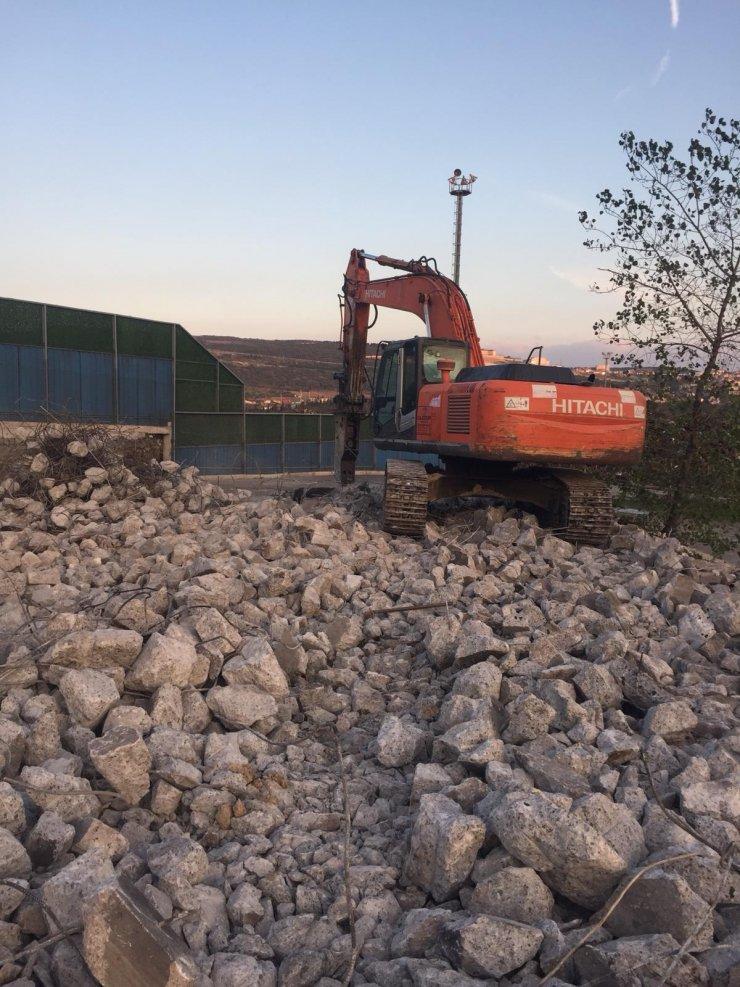 Kazı çalışması sırasında bulunan 'top mermisi' imha edildi