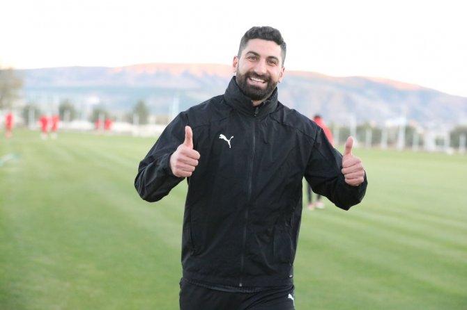 Sivasspor'da kaleci Muammer korona virüsü atlattı!
