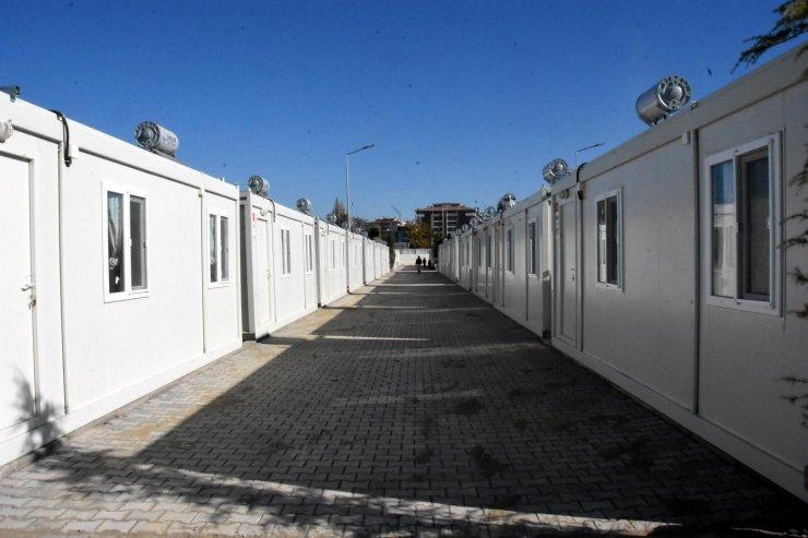 İzmir'de konteyner kente yerleşenlerin sayısı artıyor