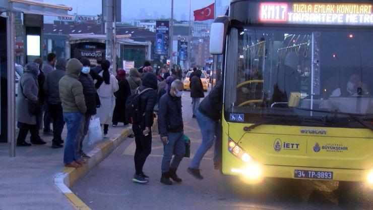 Toplu ulaşımda ve trafikte akşam yoğunluğu