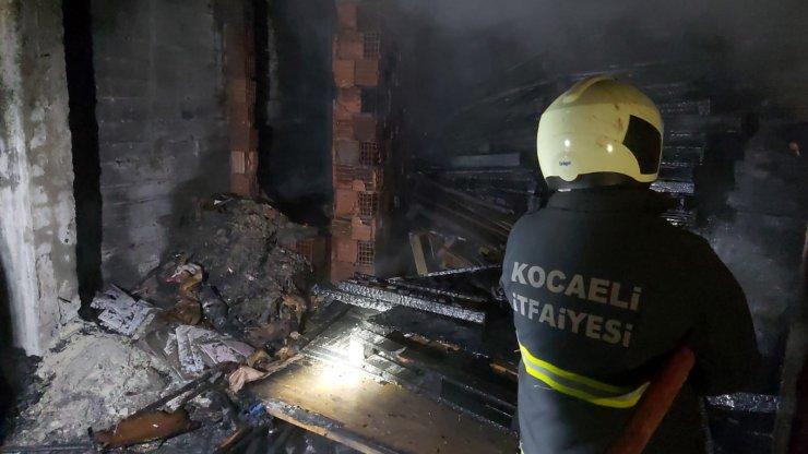 Kısıtlamaya rağmen yangını izlediler, sosyal mesafeye uymadılar