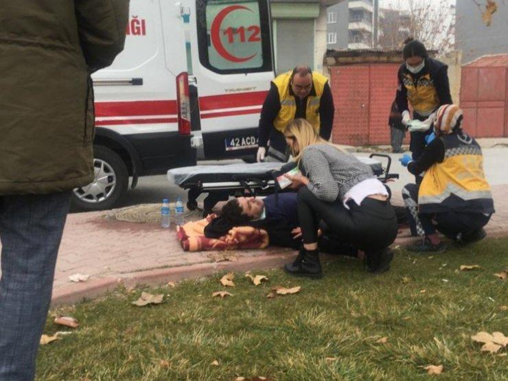 Konya Sedirler'de 'Niye yolun ortasından yürüyorsun?' kavgası! Bıçakla yaraladı!