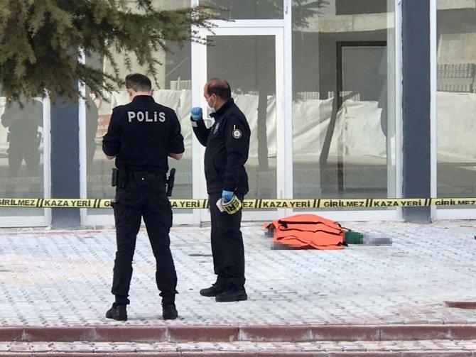 Konya'da 7. kattan düşen şahıs hayatını kaybetti!