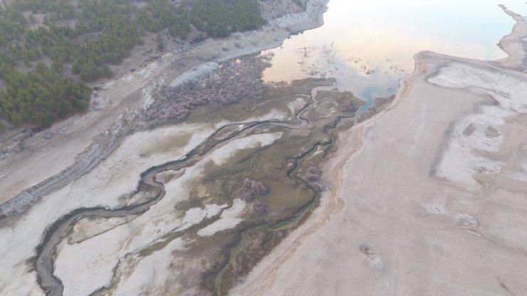İvriz Baraj Gölü'nde doluluk oranı, yüzde 20 azaldı