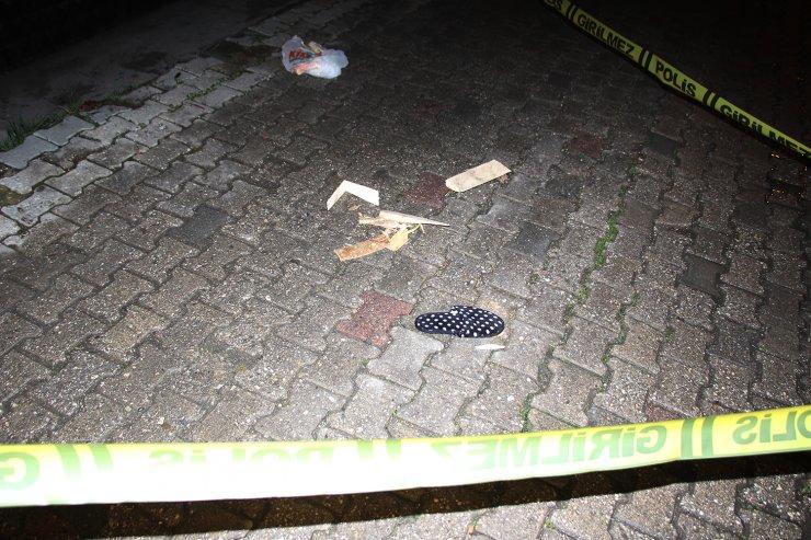 Soba kovası hazırlamak isteyen kadın, ikinci kattan beton zemine düştü