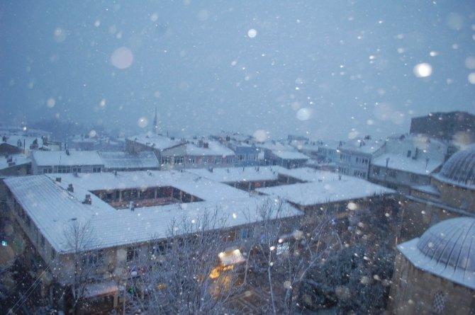Tekirdağ'da yoğun kar: Vatandaş büyük sevinç yaşadı