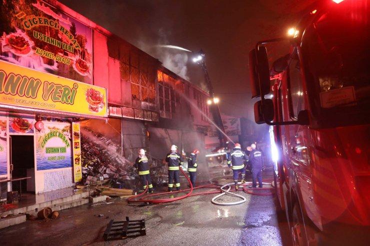 Gaziantep'te hırdavatçıda yangın