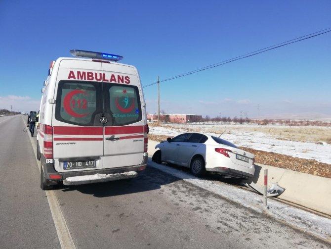Konya yolunda lastiği patlayan otomobildekiler kazayı sıyrıklarla atlattı