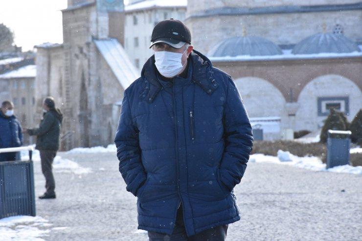 Maskesadece koronavirüsten değil, soğuktan da koruyor