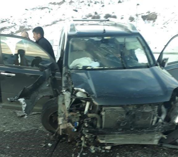 Bingöl'de trafik kazası: 3 yaralı