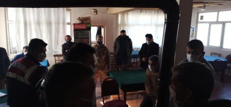 Jandarma baskınında 5 kişi aynı tuvalete saklandı