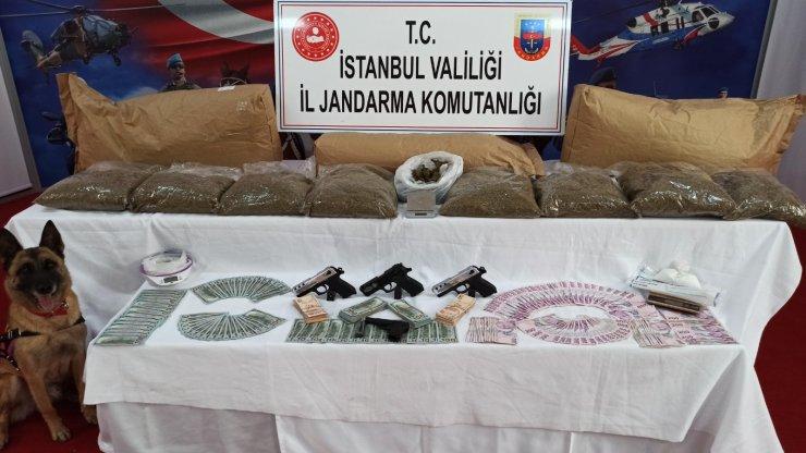 Jandarmanın Avcılar ve Büyükçekmece'deki uyuşturucu operasyonu kamerada