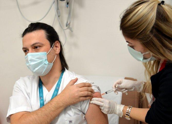 Bilecik'te 3 bin 843 kişiye CoronoVac aşısı yapıldı