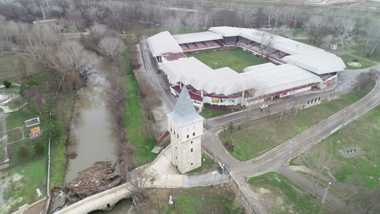 Taşan Tunca Nehri'nin suları altında kalan Kırkpınar Er Meydanı, bakıma alındı
