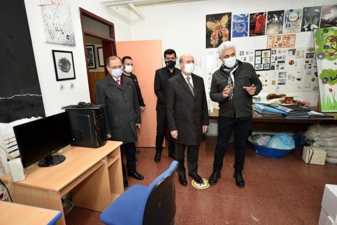 Başkan Pekyatırmacı'dan üç okula ziyaret