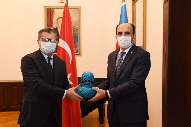 TDBB Başkanı Altay Azerbaycan Büyükelçisi'ni ziyaret etti