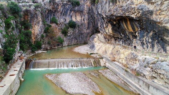 Kapıkaya Kanyonu görsel şölen sunuyor