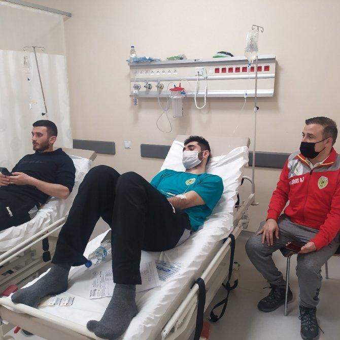 Maç dönüşü fenalaşan 6 sporcu Konya Şehir Hastanesi'nde tedavi edildi