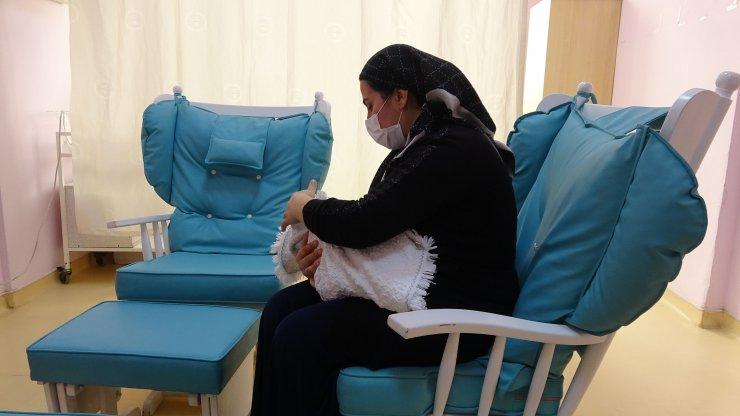 Köy yolu açılarak hastaneye ulaştırıldı, dünyaya gelen bebeğe 'Berfin' adı verildi