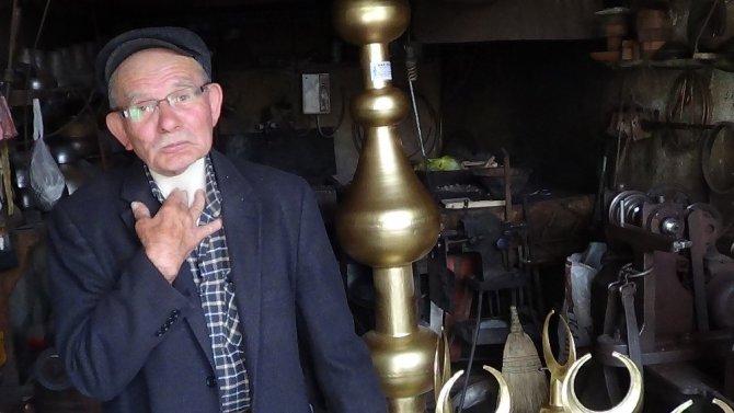 Ünlü 'cami alemi' ustası 80 yaşında hayatını kaybetti
