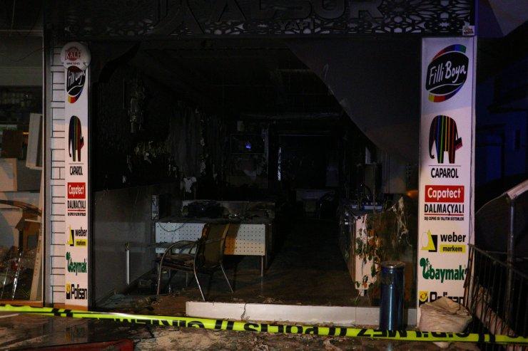 Kundakladıklarıişyeri sahibi telefonla arayıp, yangını izlettirdiler