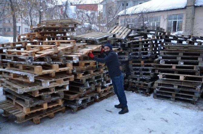 Yüksekova'da can dostlar için sıcak yuva