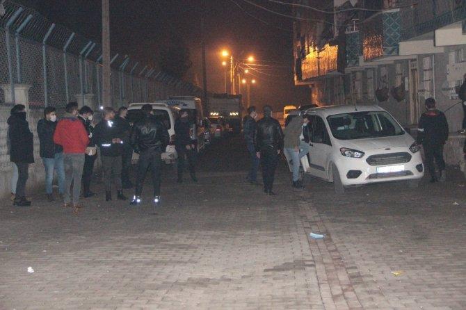 Uyuşturucu satıcısı tüfekle polisi vurdu