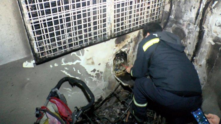 7 katlı binada yangın paniği: Binadaki 30 kişiyi itfaiye tahliye etti