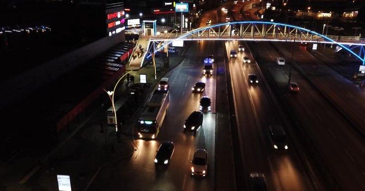 Ambulans şoförleri, trafikte sürücülerden fermuar tekniğini uygulamalarını istiyor