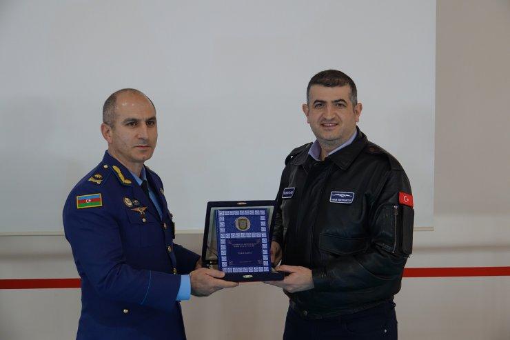 Azerbaycanlı 77 asker Bayraktar TB2 SİHA operatörlüğü eğitimini tamamladı