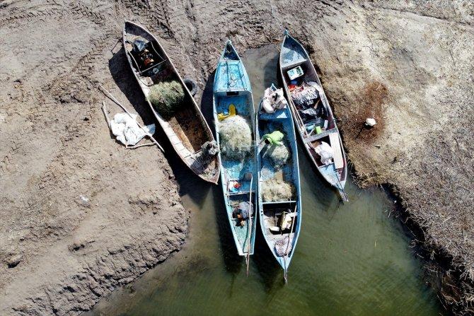 Tatlı su balıkçılarının kış şartlarındaki zorlu mesaisi