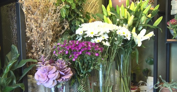 Kısıtlamaya denk gelen Sevgililer Günü için çiçekçilerde hareketlilik başladı