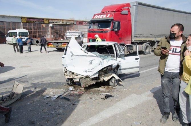 Konya'da otomobil ile süt tankeri çarpıştı: 2 yaralı