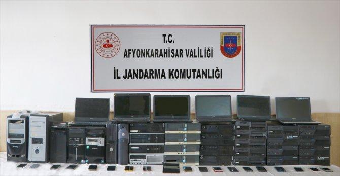 Çağrı merkezi dolandırıcılarından11'i tutuklandı
