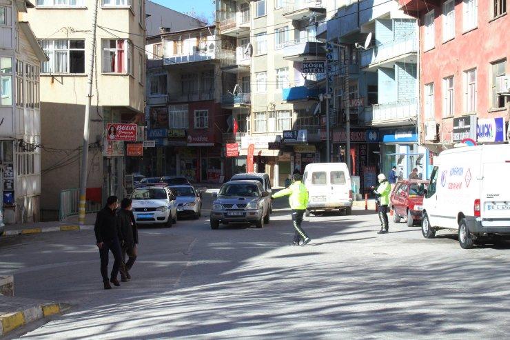 Ermenek'te karantina; polis sıkı denetimde