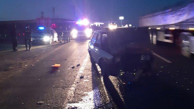 Hafif ticari araca çarpan alkollü sürücü yaralandı