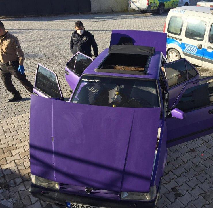 Otomobilin el freni kutusunda eroinle yakalandılar
