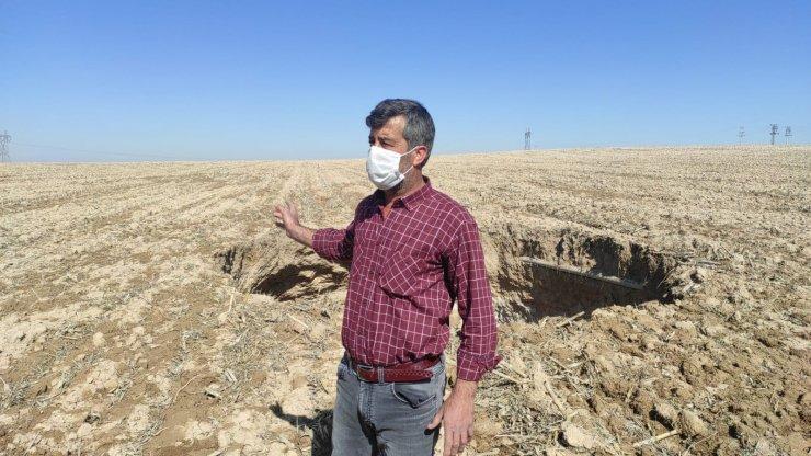 Konya'da, 40 metre derinliğinde obruk oluştu