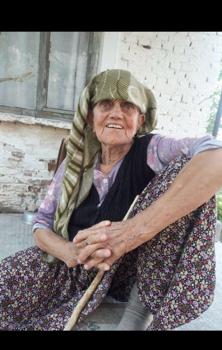 Yaşlı kadın yanarak hayatını kaybetti